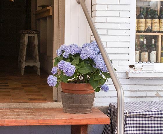 Terraza del restaurante Carús